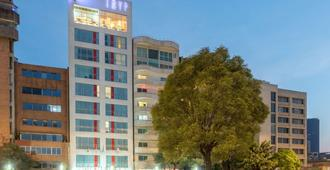 TRYP by Wyndham Mexico City World Trade Center Area - Mexico City - Building