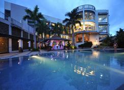 The Avenue Plaza Hotel - Naga City - Pool