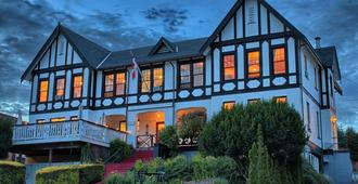 The Old Courthouse Inn - Powell River