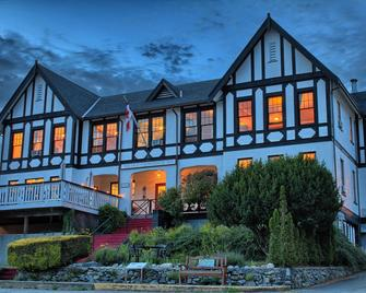 The Old Courthouse Inn - Powell River - Building