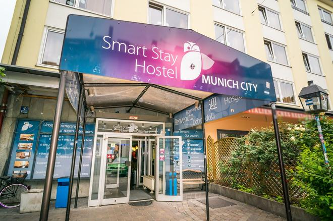 Smart Stay Hostel Munich City - Munich - Building
