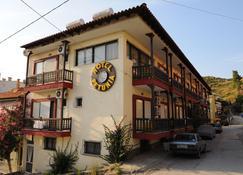 Hotel Petunia - Néos Marmarás - Edificio