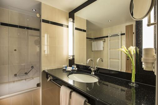 Maritim Hotel & Internationales Congress Center Dresden - Dresden - Bathroom