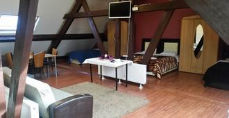 Sun Rise Apart Hotel - Brussels - Bedroom