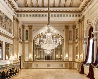 Hotel Kämp - Helsinki - Lobby