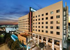 Protea Hotel Fire & Ice by Marriott Pretoria Menlyn - Pretoria - Bygning