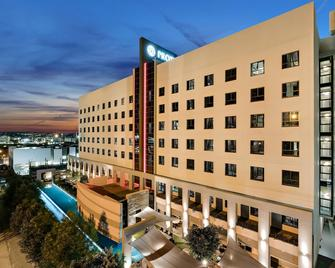 Protea Hotel Fire & Ice by Marriott Pretoria Menlyn - Pretoria - Gebouw