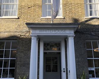 Whitehouse Rye - Рай - Building