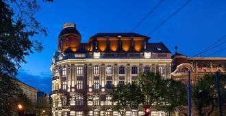 Bank Hotel - Lviv - Toà nhà