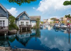 Precise Resort Marina Wolfsbruch - Kleinzerlang - Rakennus