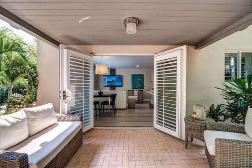 Crane's Beach House Boutique Hotel & Luxury Villas - Delray Beach - Bedroom