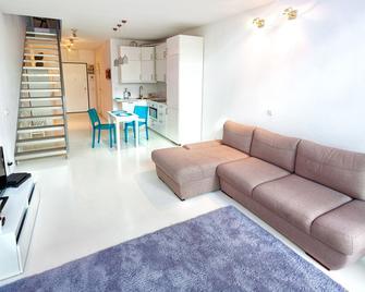 Qbik Loft Aparts - Warsaw - Living room