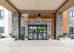 Sleep Inn and Suites West Des Moines near Jordan Creek - West Des Moines - Rakennus