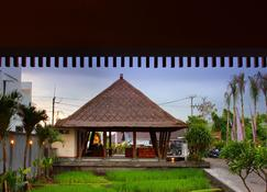 The Kirana Canggu Hotel - North Kuta - Building
