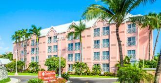 Comfort Suites Paradise Island - Nasáu - Edificio
