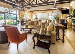 Comfort Suites Paradise Island - แนสซอ - เลานจ์