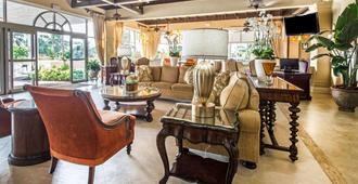 Comfort Suites Paradise Island - נאסאו - טרקלין