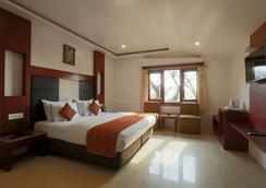 Alps Resort - Dalhousie - Bedroom