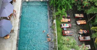 Puri Saron Denpasar Hotel - דנפסאר - מסדרון