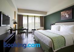 Swiss-Belhotel Rainforest - Kuta - Bedroom