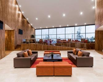 Wyndham Quito Airport - Tababela - Lobby
