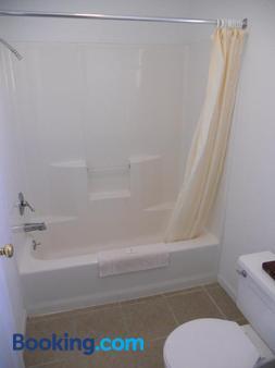 家庭旅館汽車旅館 - 布蘭森 - 布蘭森 - 浴室