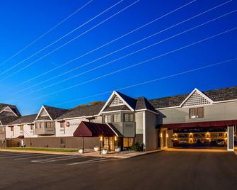 Best Western Plus of Birch Run/Frankenmuth - Birch Run - Building