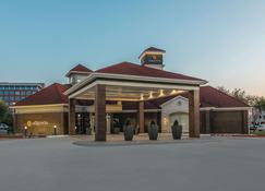 La Quinta Inn & Suites by Wyndham Dallas Plano West - Плано - Здание