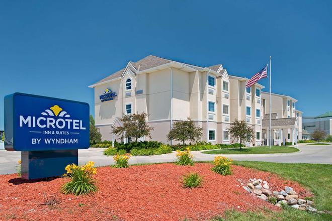 Microtel Inn & Suites by Wyndham Council Bluffs - Council Bluffs - Κτίριο