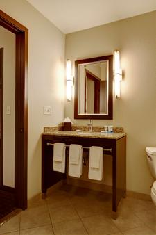 Hyatt House Bellevue - Bellevue - Bathroom