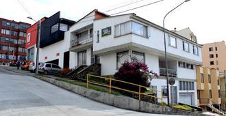 Casa Blanca Hostal Manizales - Manizales - Edificio