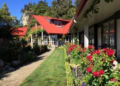 Ratanui Lodge - Takaka - Edificio