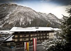 Landhotel Post - Heiligenblut - Building