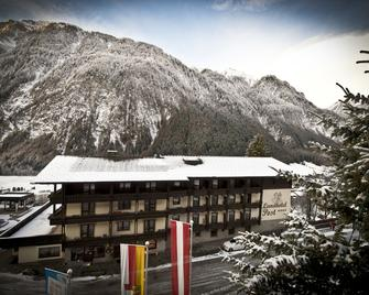 Landhotel Post - Adults Only - Heiligenblut - Edificio