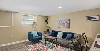 Travelers Haven in Lush Mount Airy Neighborhood - Filadèlfia - Sala