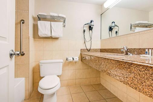 Comfort Inn Fallsview - Niagara Falls - Kylpyhuone