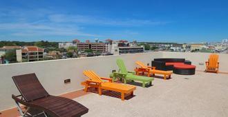 Ocean Sands Resort - Virginia Beach - Balcón