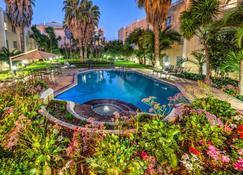 City Lodge Hotel Bloemfontein - Bloemfontein - Zwembad