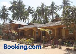 Soe Ko Ko Beach House & Restaurant - Ngwesaung - Byggnad