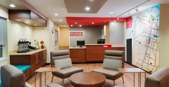 TownePlace Suites by Marriott Savannah Midtown - סאוואנה - לובי