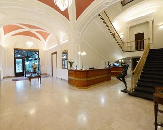 Hotel Vittoria - Pompeia - Receção