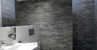 Hotel Viktor - Bratislava - Phòng tắm