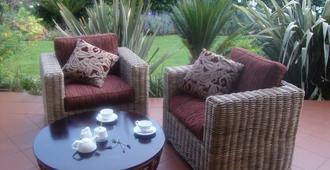 Lucky Bean Guest House - Johannesburg - Patio