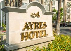 Ayres Hotel Anaheim - Anaheim - Gebäude