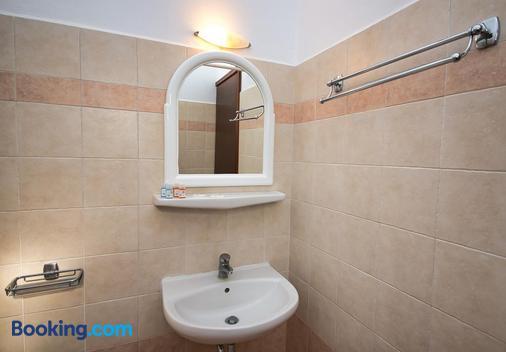 Villa Angira - Kamari - Phòng tắm