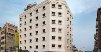 Meci Hotel - Hualien City - Building