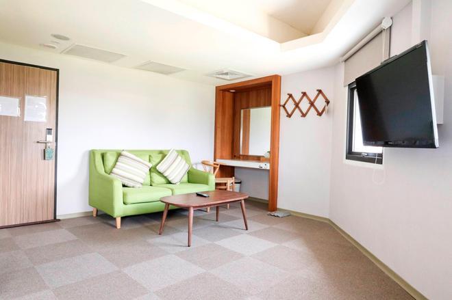 Meci Hotel - Hualien City - Living room