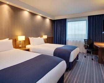 Holiday Inn Express London - Heathrow T5 - Slough - Bedroom