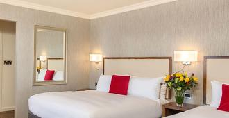 Eyre Square Hotel - Galway - Bedroom