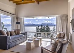 Aguila Mora Suites & Spa - Bariloche - Huiskamer